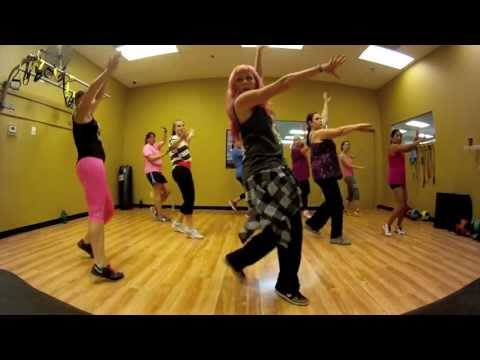 I Need Your Love - Calvin Harris ft. Ellie Goulding Zumba with Mallory HotMess