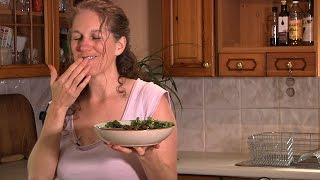 How To Make A Healthy 'hemp & Parsley Dressing'