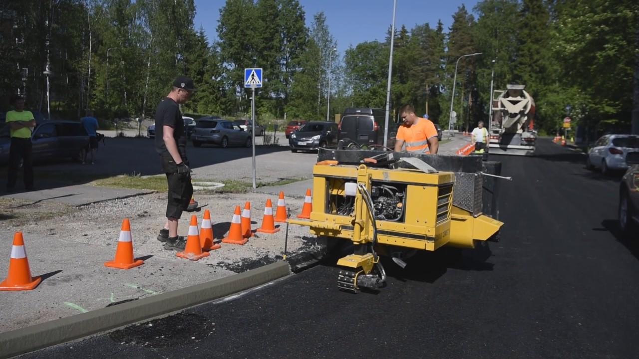 Gomaco Curb Cadet Cc 1200 Concrete Curb And Gutter