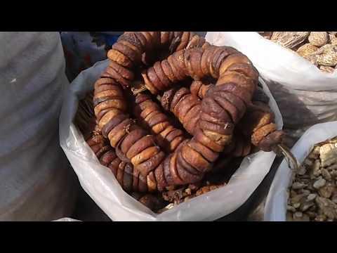 Hindu women's selling dry fruits at empress market saddar | 13th December 2018 | Karachi | pakistan