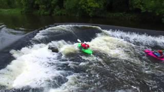 Kayakers on Boyne Stackallen Weir