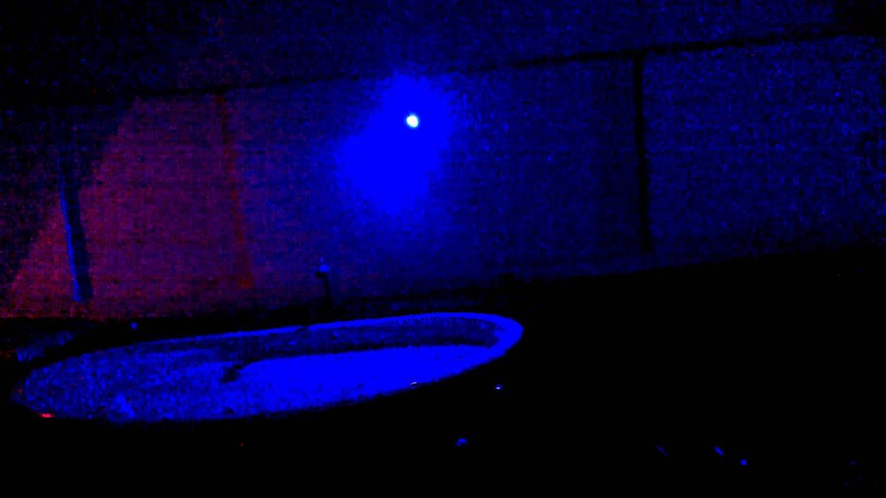 Ilumina o rea piscina com refletor de led rgb youtube - Leds para piscinas ...
