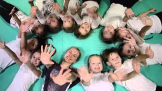 Улыбайся. Видео для отчетного новогоднего концерта. Танцевальное пространство Skazka
