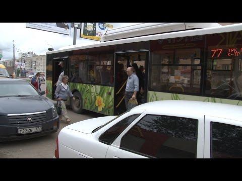 Остановки общественного транспорта в Волгограде заполонили автомобили
