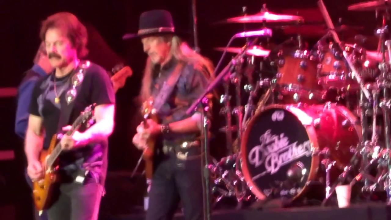 Doobie Brothers--Dark Eyed Cajun Woman--Live at PNE ...