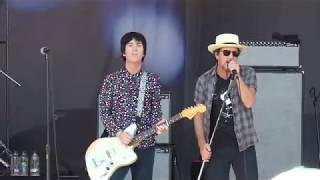 """JOHNNY MARR & EDDIE VEDDER : """"There is a Light That Never Goes Out"""" : OHANA FESTIVAL (Sept 29, 2018)"""