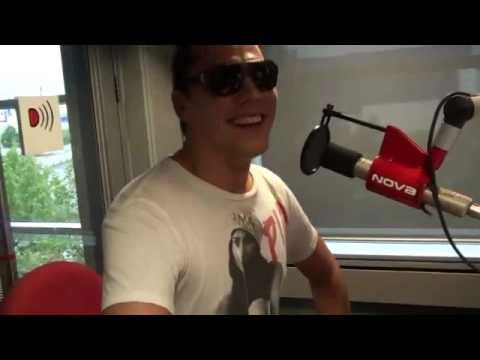 Tiesto Interview - Australia 2010 - He likes Pia Miller on his t-shirt