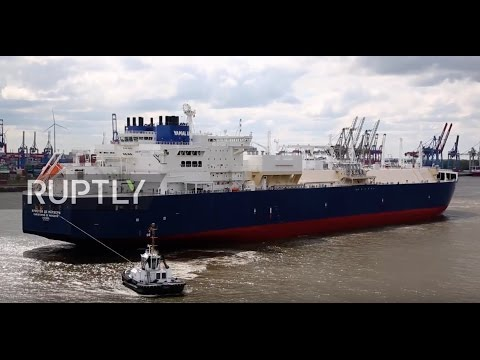 Germany: Russian ice-breaking tanker cruises into Hamburg port