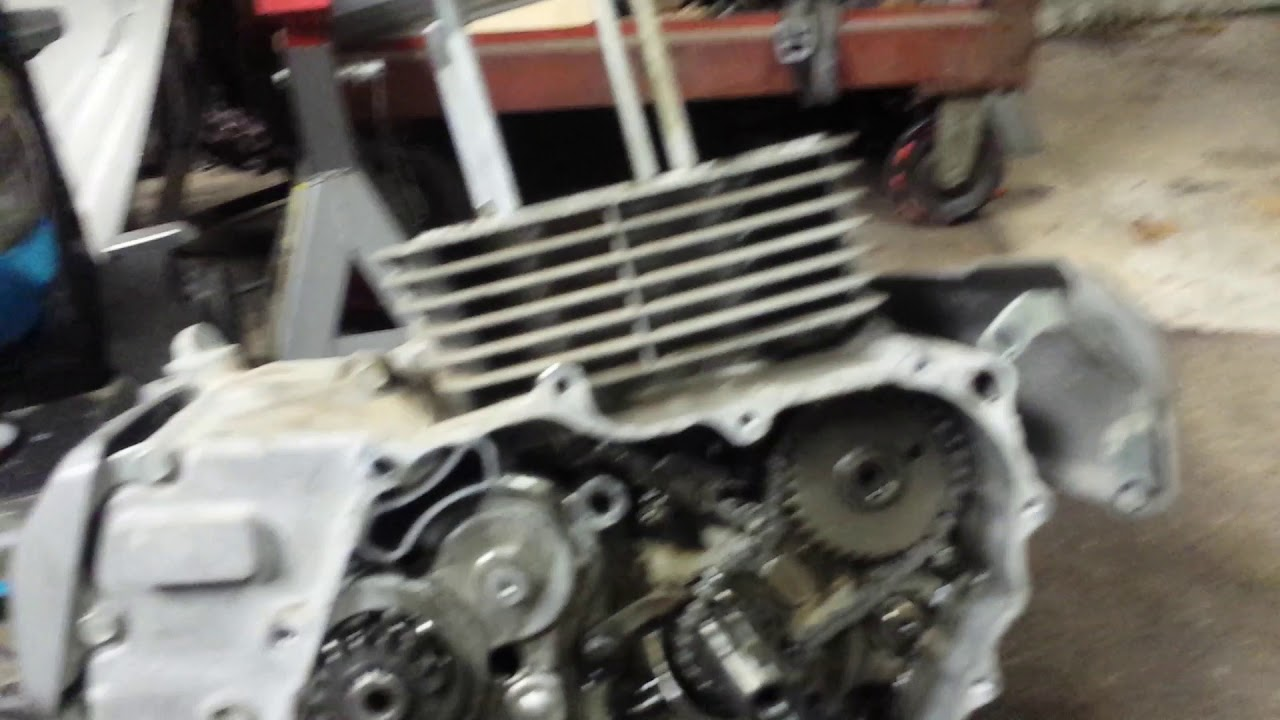 2000 Honda Rancher 350 Engine Removal Part 4  What I Found