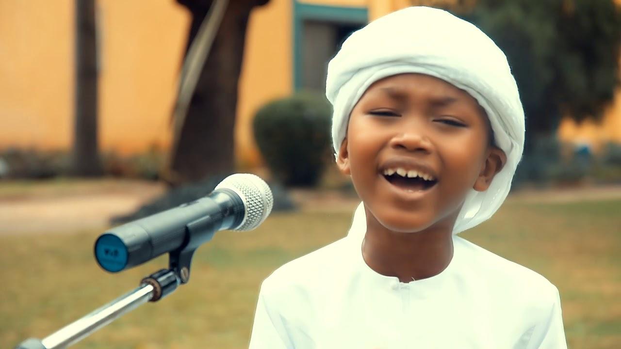 Download Fareed Fadhil Massanza - Fanya Hisab (Official Video)