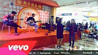 Video SIAGI Feat Ajeng Indonesian Idol - Kesempurnaan Cinta ( Rizky Febian Cover) download MP3, 3GP, MP4, WEBM, AVI, FLV Agustus 2017