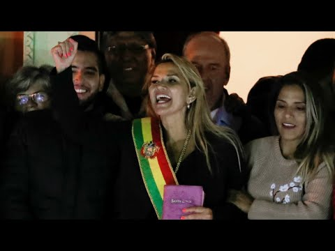 En Bolivie, la sénatrice Jeanine Añez se proclame présidente par intérim
