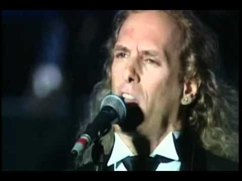 Luciano Pavarotti feat. Michael Bolton - Vesti La Giubba