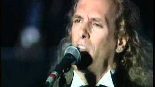Luciano Pavarotti Feat Michael Bolton Vesti La Giubba