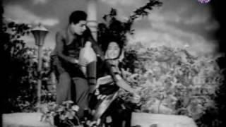 M.G. Ramachandran \u0026 Sarojadevi in Athai Magal -Female - Panakkara Kudumbam