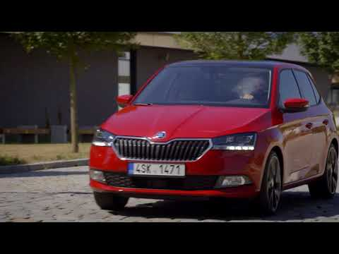 The new Skoda Fabia Driving in the city