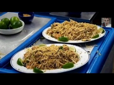 Gordon tries to make Pad Thai - Gordon Ramsay