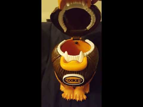 Lion cookie jar