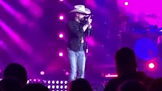 Dustin Lynch- Seein' Red live in Spokane Video