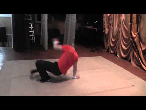 Уроки брэйк-данса часть 2 ( свайпс на двух ногах ) avi