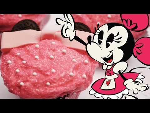 Minnie Mouse Cupcakes | Dishes by Disney