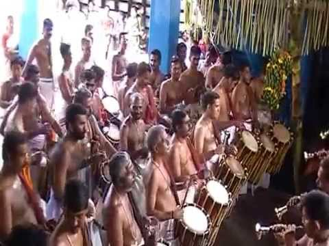 Panchari Melam- Shri. Kizhakkoottu Aniyan Marar at MG Kavu Sreedharmasastha Kshethram