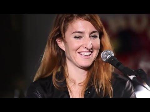 Hannah Georgas performs Waste