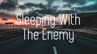 Majezty - Sleeping With The Enemy ft. Elle Vee (Lyrics) KEPIK Remix