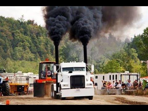 Semi Truck Pulls at Richmond Québec Canada 2015