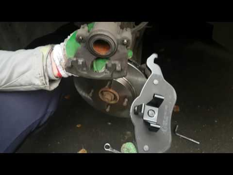 ЗАМЕНА ТОРМОЗНЫХ ДИСКОВ  и тормозных колодок HD - Replacement of brake discs and brake pads. HD