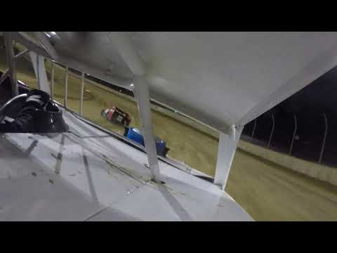 B main at Lawrenceburg Speedway