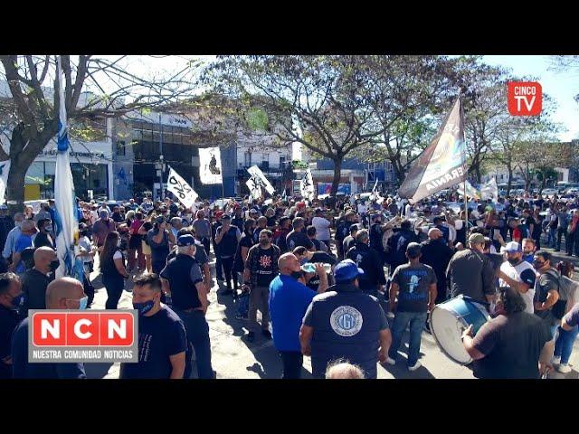 CINCO TV - La CGT Zona Norte homenajeo a Néstor Kirchner con una caravana y acto en Olivos