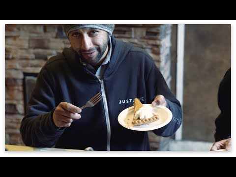 Serving a Thanksgiving meal to Seattle's homeless neighbors | Seattle's Union Gospel Mission