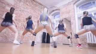 Cewek Seksi Rusia sedang Koreografi XXX