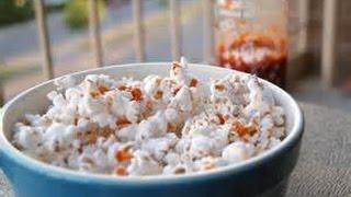 Snaqpaq Popcorn Indiana Sriracha Popcorn Review