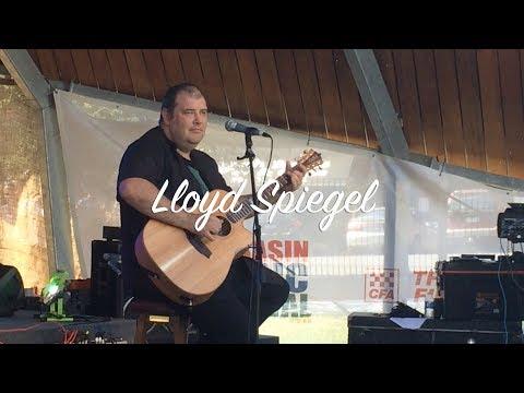 Lloyd Spiegel blues maestro at The Basin Music Festival 2017