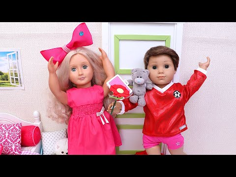 Baby doll gets a surprise teddy bear from her borther! Friendship story by Play Toys!