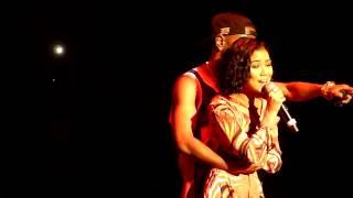 Jhene Aiko - Under Boobies Action...Slip??,Singing 'The Worst' Live