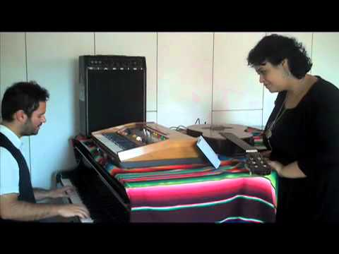 Jeneci e Tulipa Ruiz cantam Dia a Dia Lado a Lado