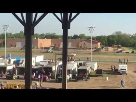 7W heat race 5/13/17 Viking Speedway