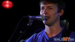 "James Blunt ""Youre Beautiful"" Live Acoustic Performance"