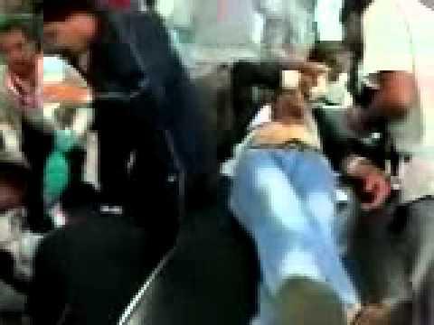 Yemen - Demonstrators Suffer From Nerve Gas