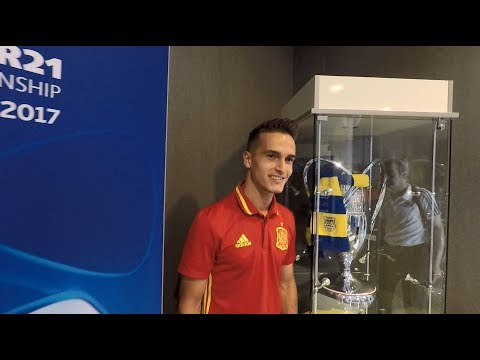 """GDYNIA U21. Pomocnik Barcelony z Pucharem Polski i Portugalczyk mówiący """"cześć"""""""