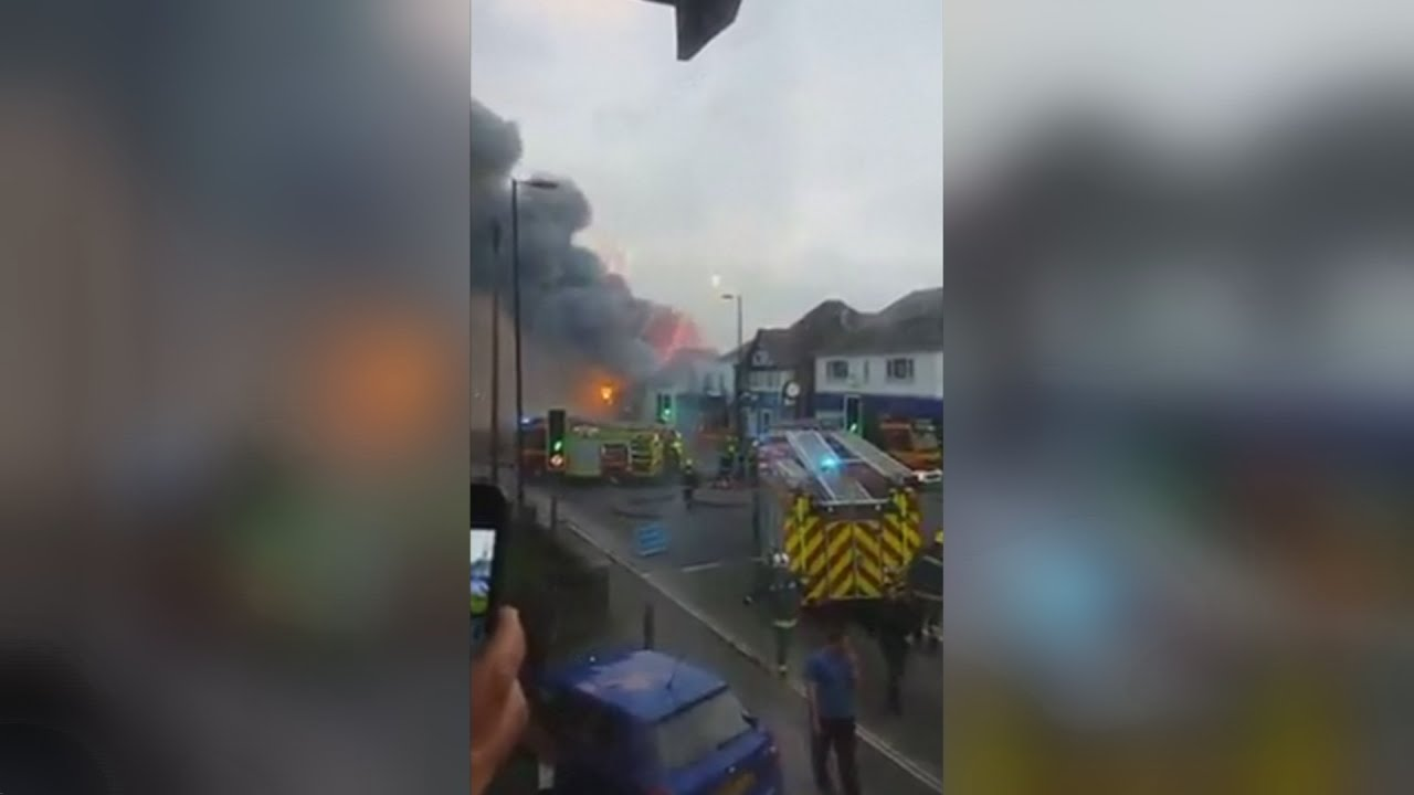 Download Major fire at the Fireworks Factory shop in Southampton