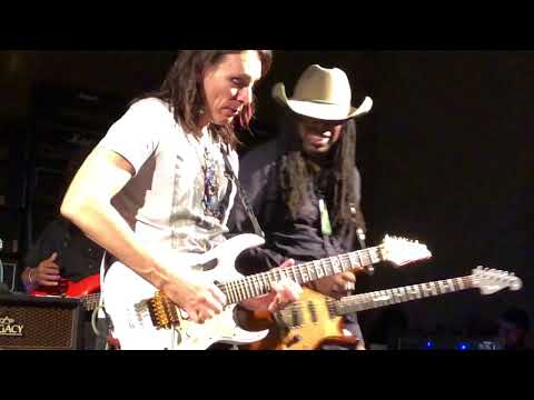 Steve Vai & Larry Mitchell Jamming at Vai Academy 4.0