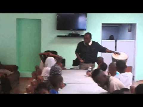 FOUMBOUNI MARSEILLE: Les Enfants s'amusent(Avis et Impression)