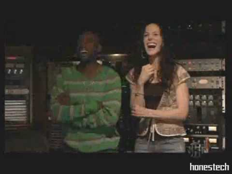Download SHOWTIME: Weeds Promo - 2006