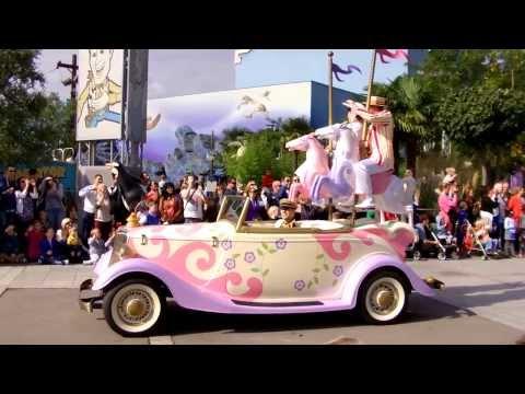 DISNEYLAND PARIS - OCTUBRE 2013 - Desfile de Princesas