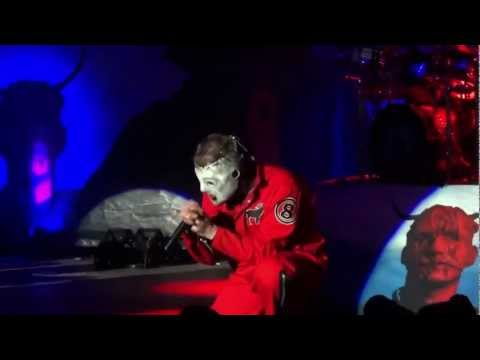 Slipknot vs Cliff Richard (Mistletoe and Wine)