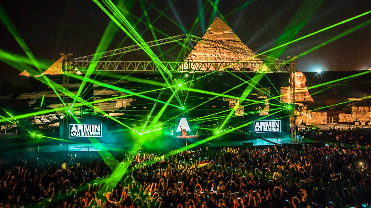 Armin van Buuren live at FSOE 500 (The Great Pyramids Of Giza, Egypt) ?? (September 15, 2017)